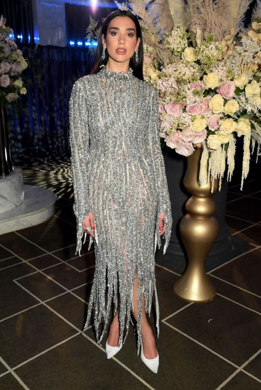 Dua Lipa Attends the 29th Annual Elton John AIDS Foundation Academy Awards Viewing Party