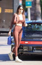 Hailey Baldwin/Bieber & Kendall Jenner Head to a workout session together in Los Angeles
