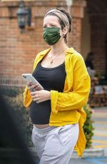 Halsey Spotted out shopping for groceries with her boyfriend in Los Angeles