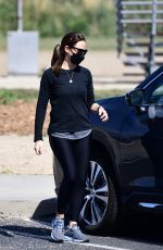 Jennifer Garner Takes her dog to the park near her home in Brentwood
