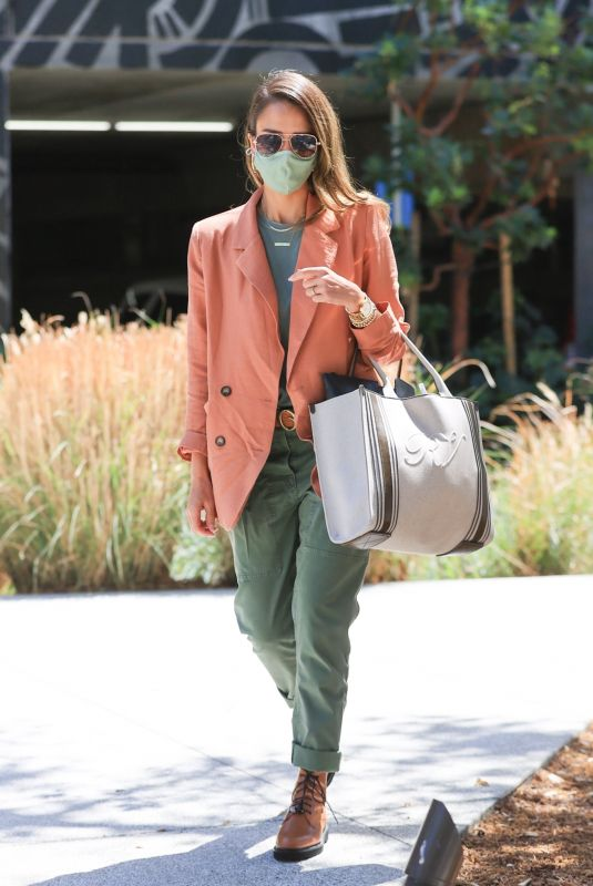 Jessica Alba Cuts a stylish figure as she heads to her office in Los Angeles