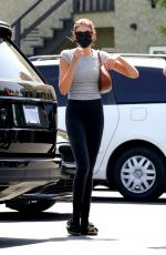 Kaia Gerber Grabs lunch in West Hollywood