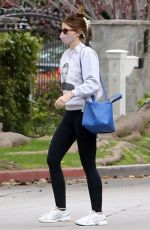 Katherine Schwarzenegger Meets up with her mom Maria Shriver and sister Christina Schwarzenegger for a game of tennis in LA