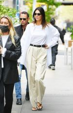 Kendall Jenner Goes maskless and braless for brunch at Bubby