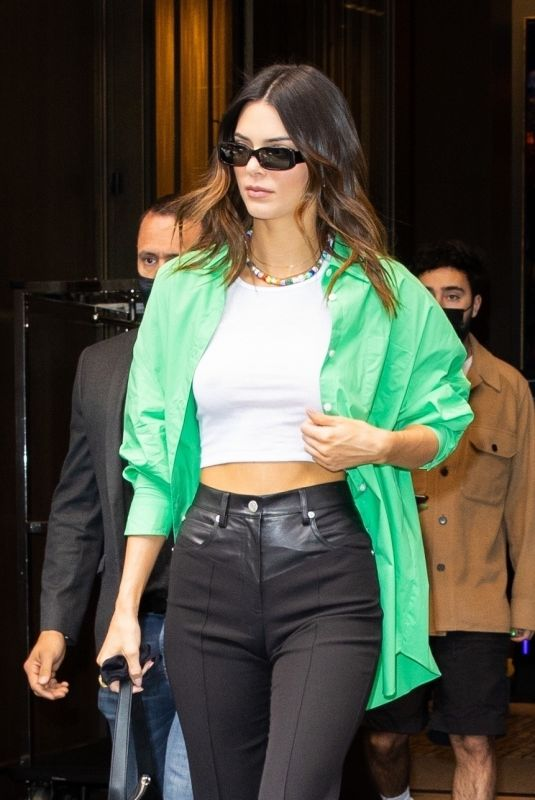 Kendall Jenner Going to the Nets vs Suns game in NYC