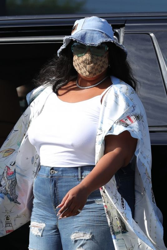 Lizzo Spotted leaving Catch LA after enjoying an Easter lunch in Los Angeles