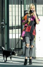 Malin Akerman Goes shopping for shirts with her husband Jack Donnelly and their dog in Los Feliz