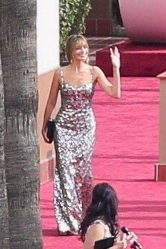Margot Robbie Arrives at the 93rd Annual Academy Awards in Los Angeles