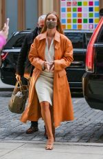 Rosie Huntington-Whiteley Steps out looking stylish in New York City