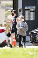Sarah Michelle Gellar Out in Brentwood