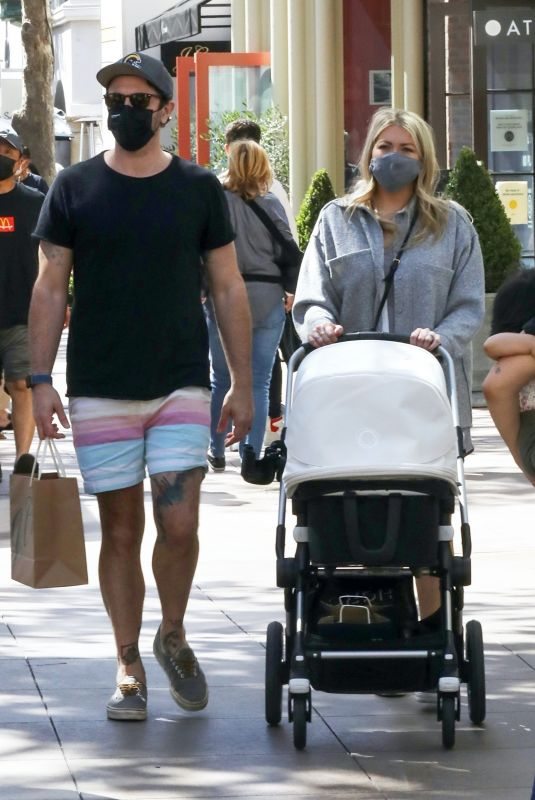 Stassi Schroeder Out for lunch at The Grove in Los Angeles