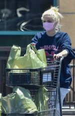 Ariel Winter Dons comfy sweats while picking up essentials at a local market in Studio City