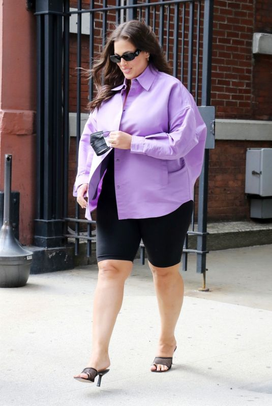 Ashley Graham Pictured exiting the CBS Studios after guest-hosting