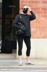Felicity Huffman Goes incognito wears all black for errands in Santa Monica