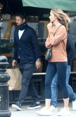Frida Andersson-Lourie Seen going for coffee in West London