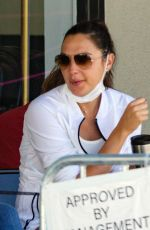 Gal Gadot Takes her daughter to ballet class in Los Angeles