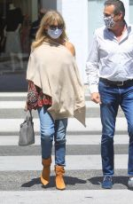 Goldie Hawn Has lunch with a pal then signs autographs for fans that spotted her in Beverly Hills