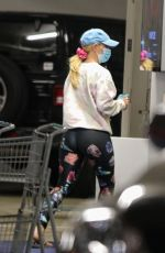 Heidi Montag Shops for groceries, flowers, and smoothies at Erewhon Market