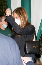 Jennifer Aniston At San Vicente Bungalows in West Hollywood