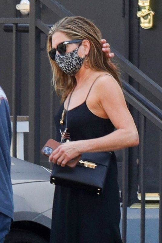 Jennifer Aniston Leaving a hair saloon in Beverly Hills