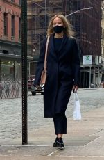 Jennifer Lawrence Out shopping in New York