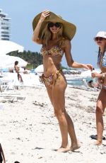 Joy Corrigan Is serving all body at Miami Beach with model friend Taylor Justine
