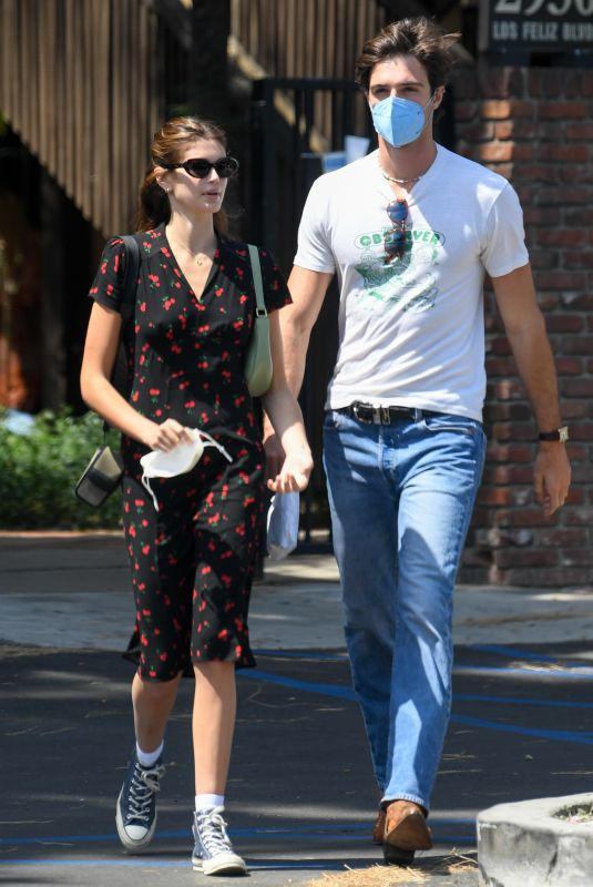 Kaia Gerber Looks Chic Out Shopping with Boyfriend Jacob Elordi In Los Angeles