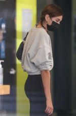 Kaia Gerber Picks up vitamins and a smoothie at Earth Bar in Los Angeles
