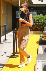 Kaia Gerber Stops by the Earthbar in West Hollywood