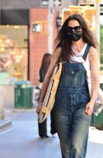 Katie Holmes Strolling through SoHo visiting various art supply stores in New York City