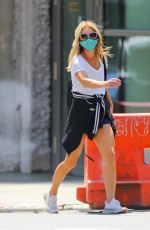 Kelly Ripa Going to a gym in New York