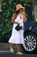 Kelly Rowland Spotted leaving The Ivy restaurant with her friends in Beverly Hills