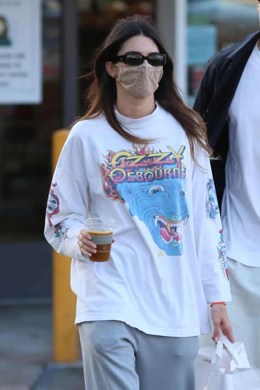 Kendall Jenner Out shopping at the Beverly Glen Center