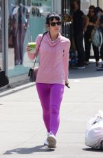 Lily Allen Looks pretty and colorful in NYC
