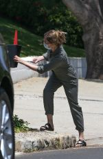 Michelle Pfeiffer Delivered a letter offering to buy a house in Brentwood
