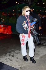 Miley Cyrus Arrives at her hotel ahead of her SNL performance in New York