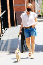 Naomi Watts Out walking her dog in New York