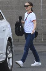 Natalie Portman Steps out in a casual look in Sydney