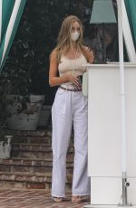 Rosie Huntington-Whiteley At the San Vicente Bungalows in Los Angeles