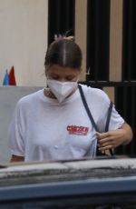 Sofia Richie Spotted checking out a house with her boyfriend in Los Angeles