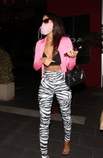 Sydney Chase Exits BOA Steakhouse after dinner with her friends in Los Angeles