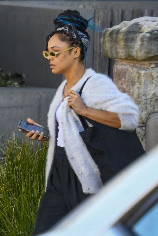 Tessa Thompson Spotted in a text exchange as she leaves her Sydney home