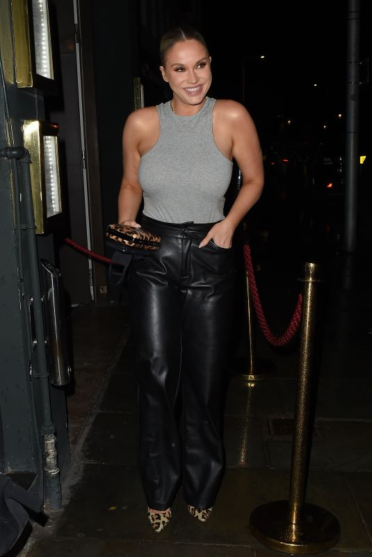 Vicky Pattison Leaves Ours restaurant in Knightsbridge