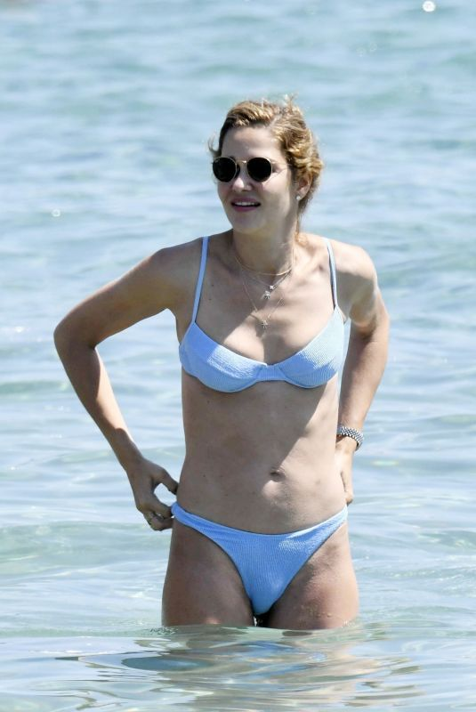 Ana Beatriz Barros Is spotted spending her time at the beach while on holiday in Mykonos