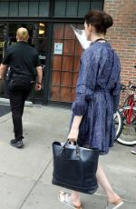 Anne Hathaway On the set of WeCrashed in New York