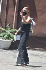 Ashlee Simpson Picks up her daughter Jagger from school in Studio City