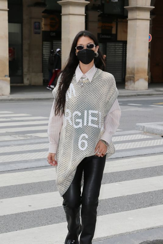 Bella Hadid On her way to the Loulou restaurant in Paris