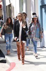 Chrissy Teigen Grabs ice cream after lunch at Katsuya with her mother in Studio City
