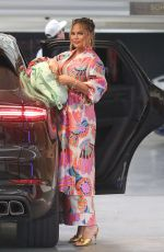 Chrissy Teigen Steps out for lunch at Soho House in Los Angeles