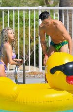 Courtney Stodden Relaxing in the pool in Palm Springs